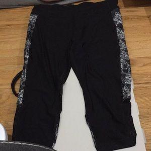 Size 2X cropped leggings